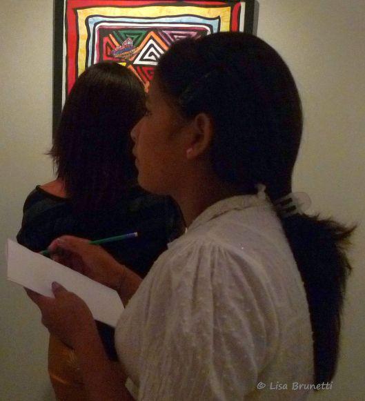 P1540931 MUSEO PORTOVIEJO GIRLS' GROUP2