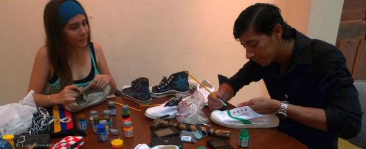 Museo Cancebi/Manta, Ecuador - Time out for painting HAPPY SHOES!