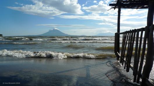 nicaragua P1260774 ometepe angry waves