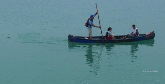P1610682 RIO JAMA Fernando y andy y canoe