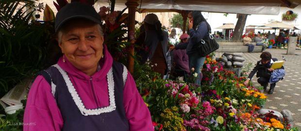P1580734 CUENCA FLOWER SMILES