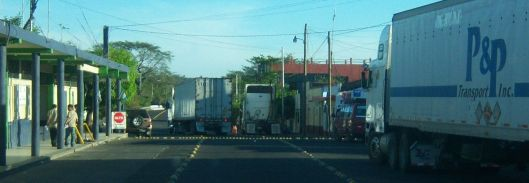 border crossing honduras on the road x