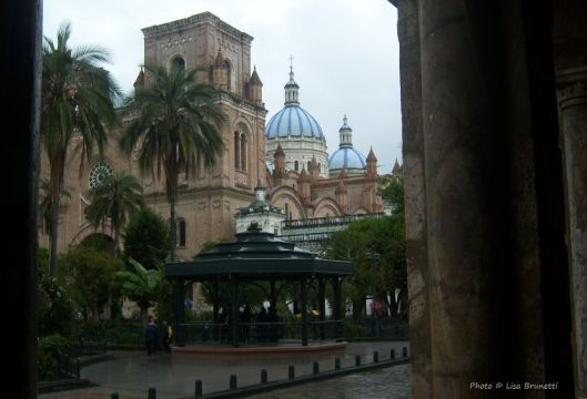cuenca iglesia from street