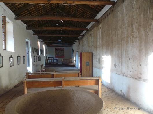 P1570636 hacienda guachala inside iglesia