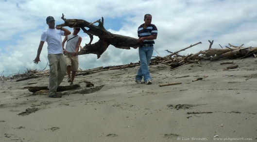 P1670830 xavier chris rolando driftwood from playamart