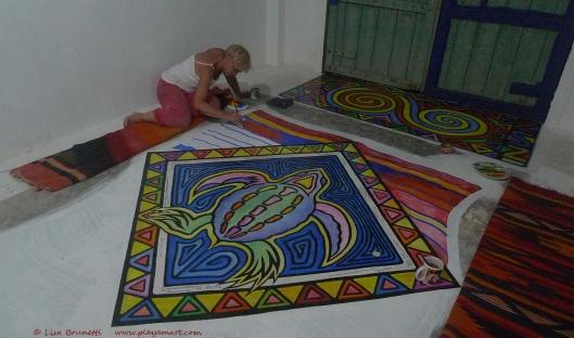 P1680183 bodega floor barb paints
