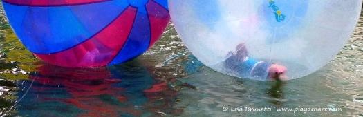 Guayaquil Malecon 2000 Water Balls