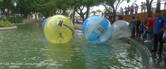 P1690292 water BALLS gye malecon