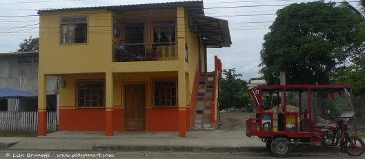 P1700236 jama jappy house