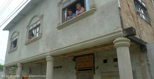 P1700251 window smiles