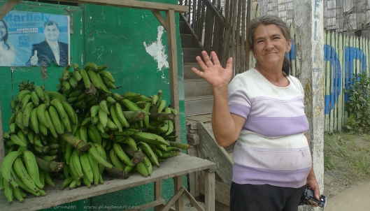 P1700277 bananas y jama smiles