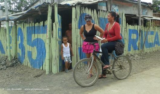 P1700293 door bicycle smile