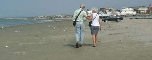 Manta Ecuador Playa Tarqui  -Hank and Marie Groff