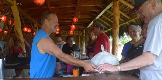 P1700658 canoa beah hotel checkouyt