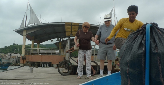 P1700775 ninos we forgot boat taxi