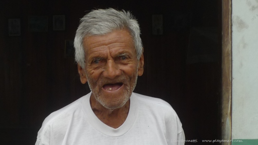 P1700895 MAN IN DOORWAY BAHIA HILLTOP