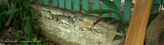 P1420483 crumbling concrete