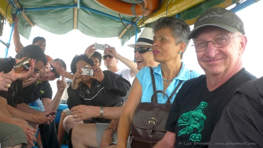 A Happy Tour!  Boat taxi/San Vicente to Bahia de Caraquez