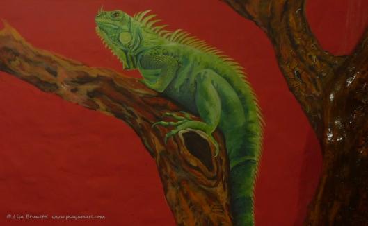 P1780592 iguana detail palo santo