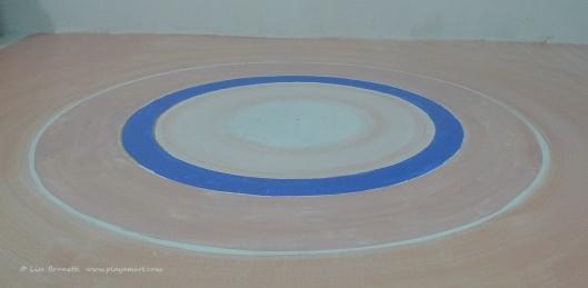 P1790252 bodega floor circle