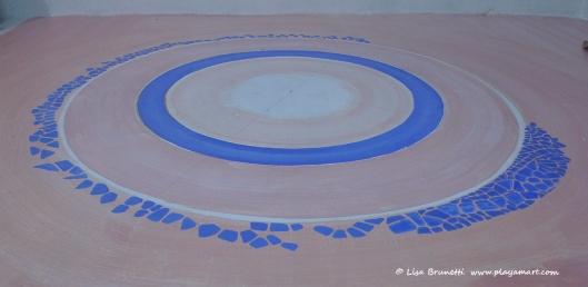 P1790288 mosaic circle bodega