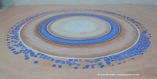 P1790289 bodega floor circle mosaic