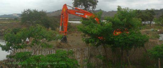 P1920655 muni excavator
