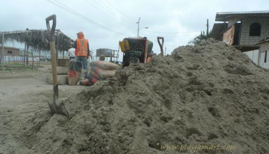 Two weeks before the February 01 destructive aguaji, the municipality was building sidewalks for El Matal!