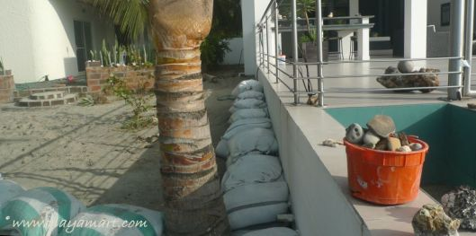 P1950237 coco beach village sandbags
