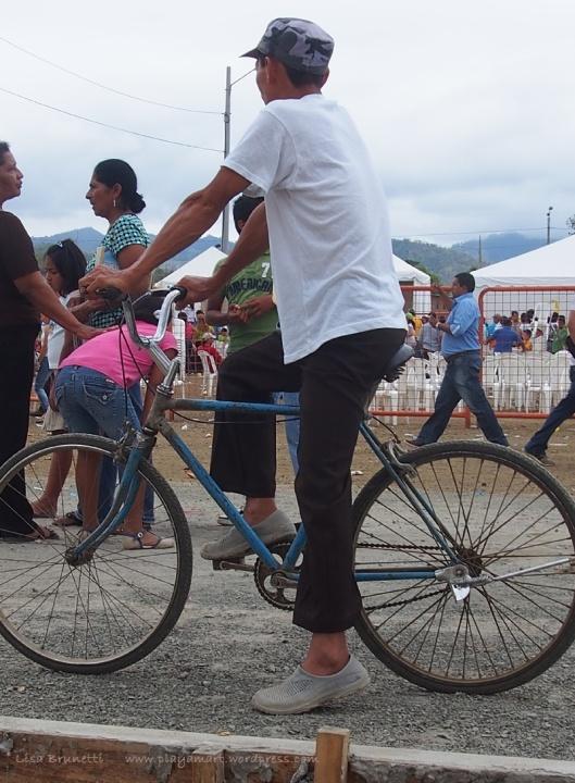 P8090556 correa jama bicycle