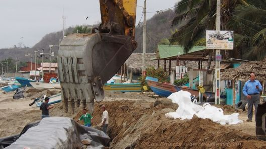 The Canton of Jama (Manabi Province) steps in to help the fishing village of El Matal. (Ecuador)