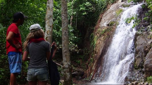 Trek to the waterfall upriver from Jama. (Manabi)