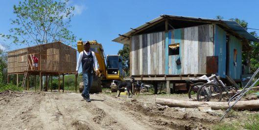 p1140276-kit-bamboo-house-jama-catholic-church-small