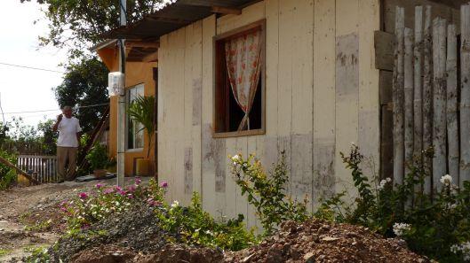 p1150393-little-house-earthquake