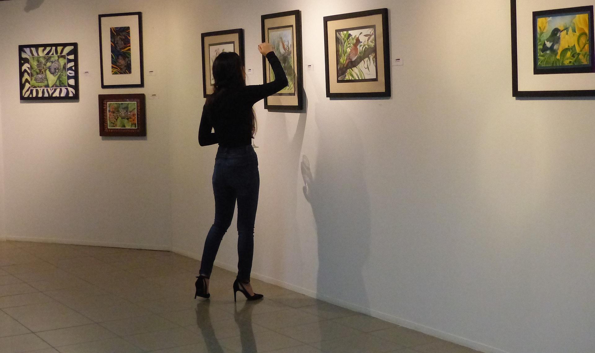 P2270332 MUSEUM MOMENTS LETTIE QUADRADO AKA DADY SMALL FILE