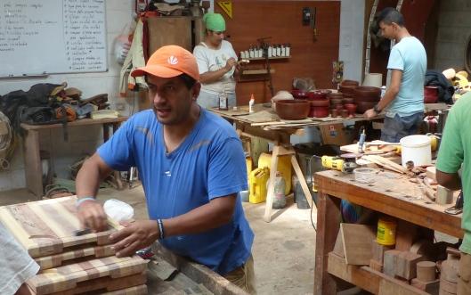P2560182 diego patino mindo carpentry