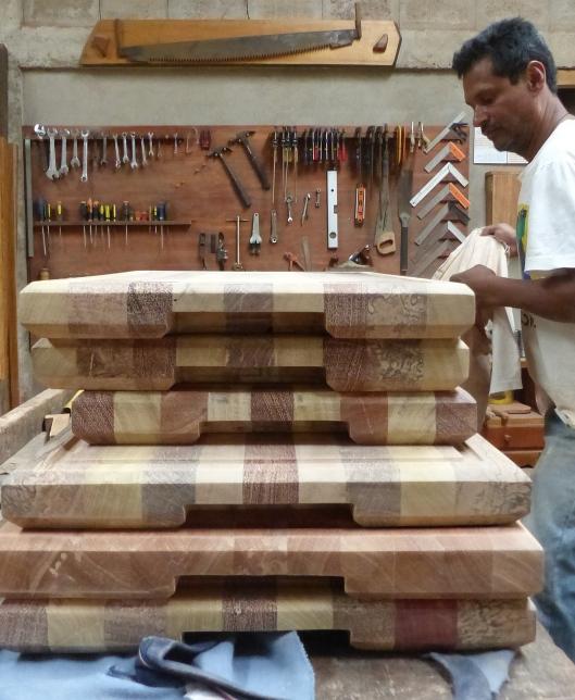 P2560193 diego patino mindo carpentry