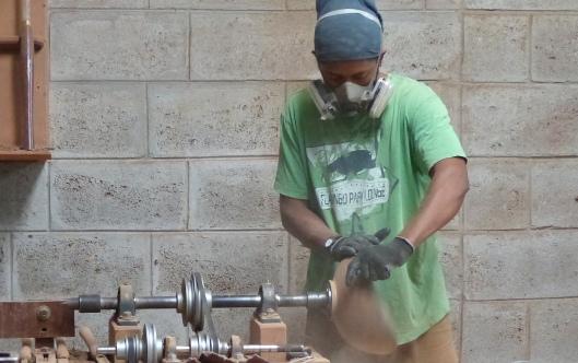 P2560209 diego patino mindo carpentry