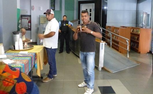 P2150513 museo portoviejo staff