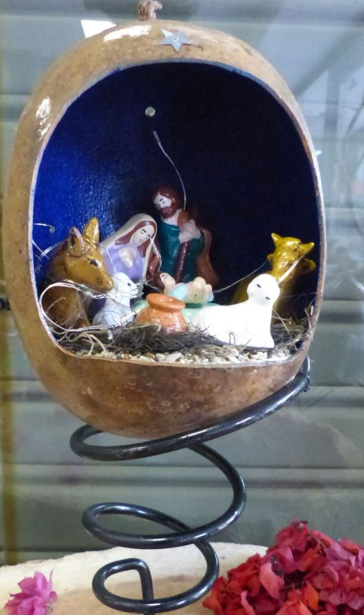 P2840888 nativity in mate