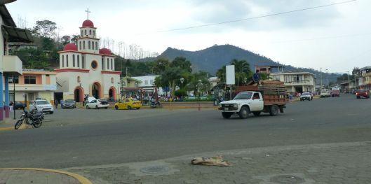 P1630114 ayacucho church and park